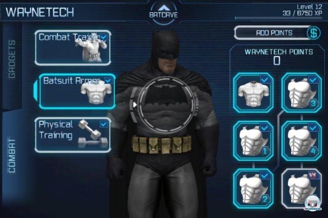 Mit erspielten WayneTech-Punkten darf man Batmans Kampfwerte und Gadgets verbessern.