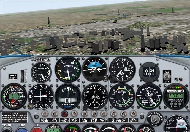 <b>Microsoft Flight Simulator 2000</b> <br><br>  In der Version 2000 sorgte das neue Mesh-Terrain f�r detaillierte H�heninformationen, von denen vor allem Schluchten und Berge profitierten. Neu dabei waren die Concorde und die Boeing 777, mit denen �ber 20.000 Flugh�fen angeflogen werden konnten. 2241062