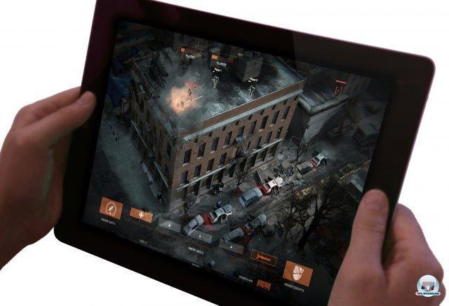 Optional kann man per Tablet das Team unterstützen.