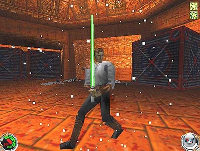 <b>Jedi Knight-Reihe</b><br><br>Dass die Jedi Knight-Serie auf Dark Forces beruhte, war nicht nur aufgrund desselben Protagonisten ersichtlich - der Untertitel »Dark Forces 2« dürfte auch seinen Teil zu dieser Erkenntnis beigetragen haben. Dennoch stehen die drei Spiele (Jedi Knight, Jedi Outcast und Jedi Academy - das frisch erschienene The Force Unleashed gehört offiziell nicht dazu, obwohl es der geistige Nachfolger ist) auf eigenen Füßen, was nicht nur dem Wechsel der Perspektive zu verdanken ist: Statt der Ego-Ansicht herrscht die Schulterkamera vor. Oder vielmehr Lichtschwertkamera, denn beim Zücken der Jedi-Waffe wurde auf Wunsch in die Außenansicht gewechselt. Das Schwingen des brummenden Säbels sowie die Nutzung der Macht waren die aufregendsten Neuerungen in Jedi Knight, vom Multiplayermodus gar nicht erst zu sprechen. Darüber hinaus war der 1997er Titel einer der ersten, der die gerade modern werdenden 3D-Beschleuniger rigoros ausnutzte - SVGA, bilineares Filtering und bunte Lichteffekte, wir kommen! Und zwar nur ins Windows 95-Land, eine DOS-Version gab es nicht. 1855233