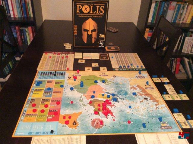 Zwei Spieler kämpfen um die Vorherrschaft in der Antike. Es gibt eine Startaufstellung sowie zwei Szenarien.